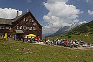 Austria, Tyrol, View of people at Karwendel montains - GF000221