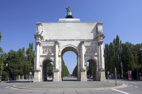 Germany, Bavaria, View of triumphal arch - ALE000057