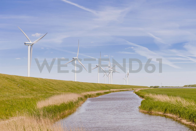 Germany, Schleswig-Holstein, View of wind turbine in fields - MJF000327 - Jana Mänz/Westend61