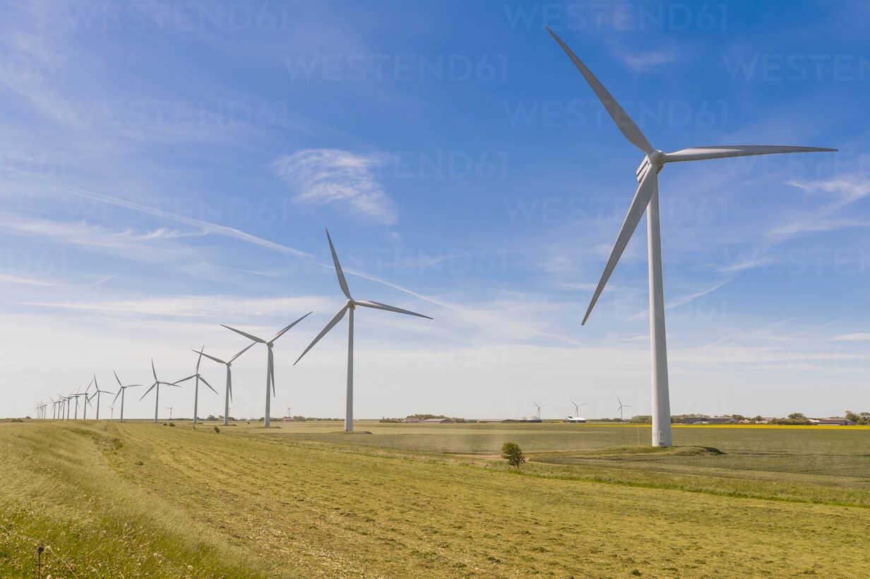 Germany, Schleswig-Holstein, View of wind turbine in fields - MJF000324 - Jana Mänz/Westend61