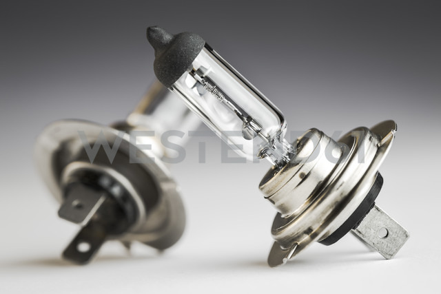 Automobile lamps on plain background, close up - CPF000017
