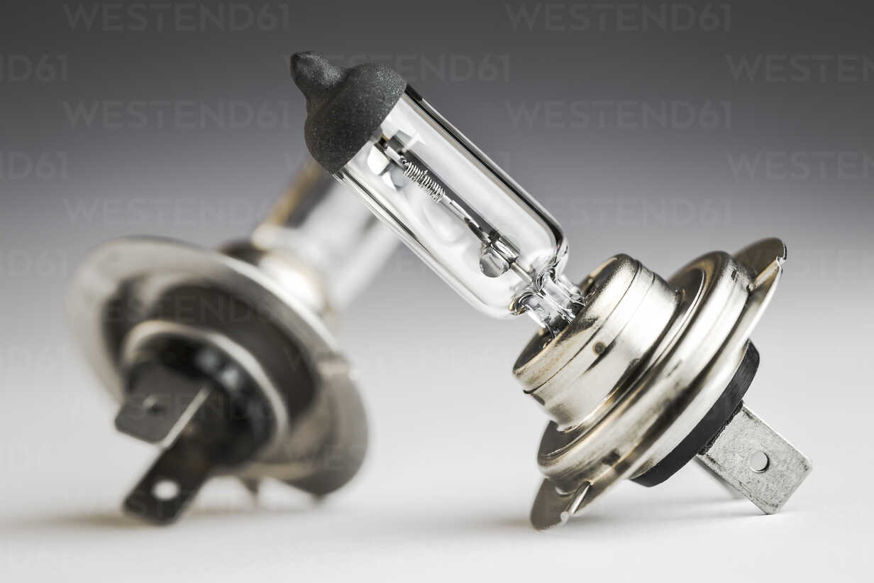 Automobile lamps on plain background, close up - CPF000017 - Christoph Prall/Westend61