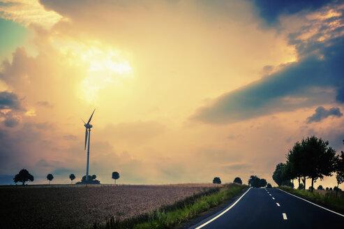 Germany, Saxony, Muldental, View of wind turbine in field - MJF000358