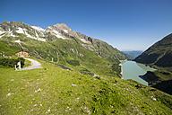 Austria, Mooserboden with the lake Wasserfallboden and peak Kitzsteinhorn - STSF000097