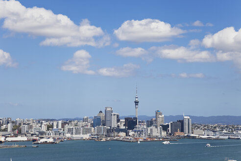 New Zealand, View of Auckland skyline - GWF002384
