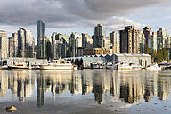 Canada, British Columbia, Vancouver, Boats in marina - FOF005163