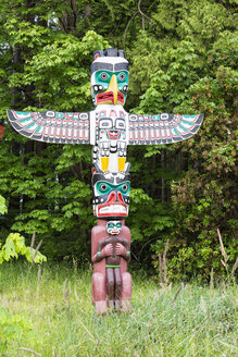 Canada, British Columbia, Vancouver, Totem pole in Stanley Park - FOF005164