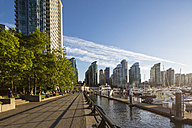 Canada, British Columbia, Vancouver, Marina at Harbour Green Park - FO005197
