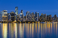 Canada, Skyline of Vancouver at night - FOF005238