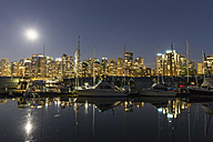 Canada, Vancouver, Marina with ships and skyline at night - FOF005216