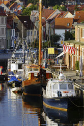 Germany, Mecklenburg Western Pomerania, Fisherman pier at Wismar harbour - HOHF000207
