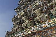 Thailand, Bangkok, View of Temple of dawn - GF000239