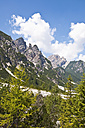 Italy, South Tyrol, Dolomites, Fanes-Sennes-Prags Nature Park, mountains at Seekofel - UM000637