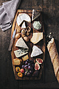 Cheese platter with fruits and nuts - EC000312