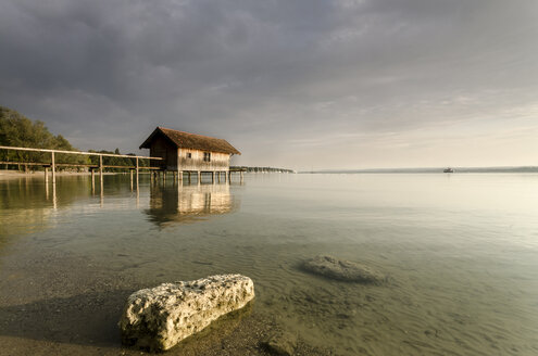Germany, Bavaria, Ammersee on an cloudy summerday - MBOF000018