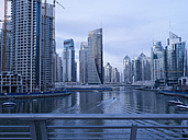 United Arab Emirates, Dubai, Dubai Marina, yacht harbour with skyscrapers - BSC000371