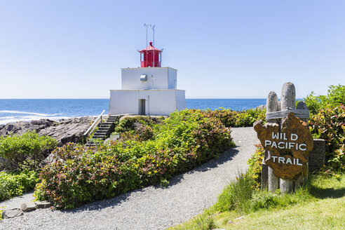 Canada, British Columbia, Vancouver Island, Pacific Rim National Park Reserve of Canada, Wild Pacific Trail, view to  Amphitrite Lighthouse - FO005296