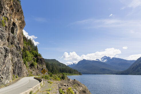 Canada, Vancouver Island, Strathcona Provincial Park, Buttle Lake - FOF005315