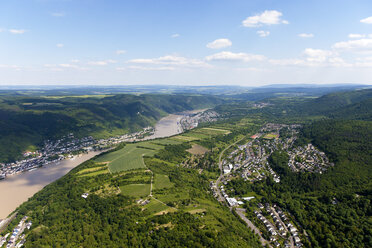 Germany, Rhineland-Palatinate, View of Kamp-Bornhofen and Buchenau at River Rhine, aerial photo - CSF019989