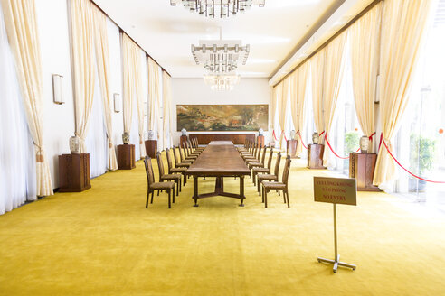 Cambodia, Phnom Penh, banquet room in the presidential palace in Ho Chi Minh City - DR000198