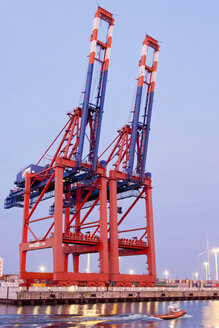 Germany, Hamburg, Container cranes at Eurogate in Waltershof harbour - MS003018