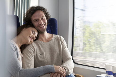 Relaxed couple in a train - KFF000239