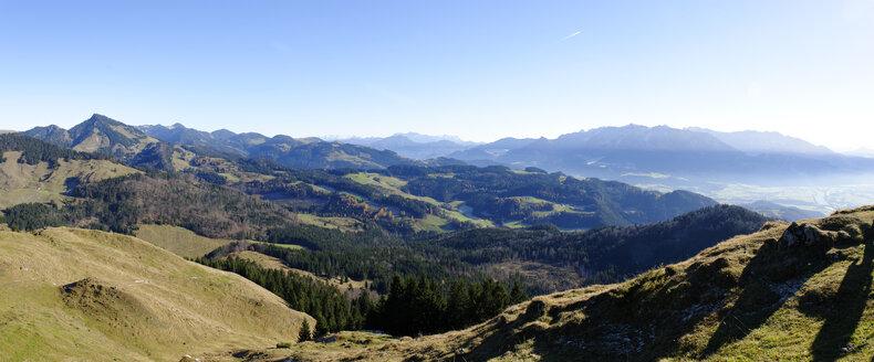 Austria, Tyrol, Inntal, view from Kranzhorn to Spitzstein, the mountains around Reit im Winkl, Zahmer Kaiser, Wilder Kaiser - LB000258