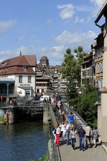 France, Bas-Rhin, Strasbourg, La Petite France, Quai des Moulins - LB000281