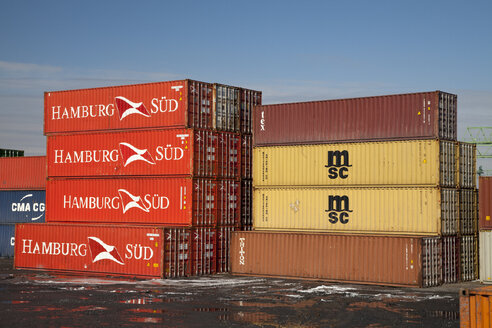 Germany, North Rhine-Westphalia, Dortmund, container at harbour - WI000081
