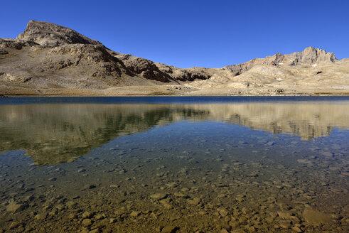 Turkey, Anti-Taurus Mountains, Aladaglar National Park, Hastakoca Lake - ES000569