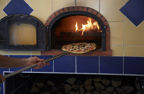 France, Provence, Toulette, pizza oven - DHL000081