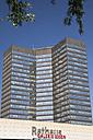 Germany, North Rhine Westphalia, Essen, view to city hall - WI000122