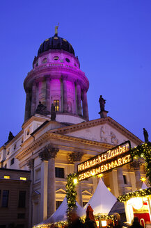 Germany, Berlin, christmas market at Gendarmenmarkt in front of the concert hall - ALEF000078