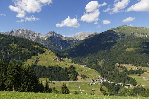 Austria, Carinthia, Carnic Alps, Leschatal, village Xaverlberg - SIEF004493
