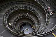 Italy, Rome, Vatican City, Museum, Spiral Staircase, elevated view - STD000026