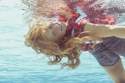 Young woman under water - STB000086