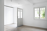Germany, Cologne, Room in empty house - PDF000520