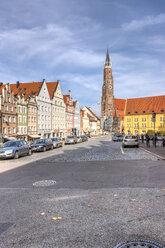 Germany, Bavaria, Landshut, St. Martin's Church in old town - AM000992
