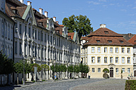 Germany, Bavaria, Upper Bavaria, cavalier courts, Residenzplatz at residence square and former house of the vicar-general - LB000388