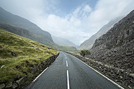 Great Britian, Wales, Llanberis Pass at Snowdonia National Park - ELF000576