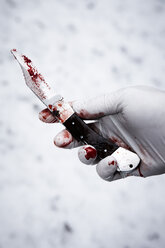 Hand with bloody knife - TL000728