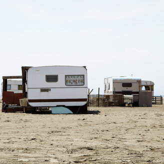 France, Provence, Mobile homes at the beach - TL000726