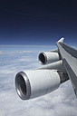 Jumbo jet, Boeing 747 in mid-air, view to jet engine - RD001189