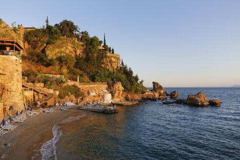 Turkey, Antalya, Beach at harbor - SIEF004556