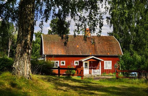 Sweden, Smaland, Kalmar laen, Vimmerby, Mjoeshult, residential house - BT000026