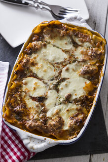 Lasagne bolognese with mozzarella and vegetables - STB000126
