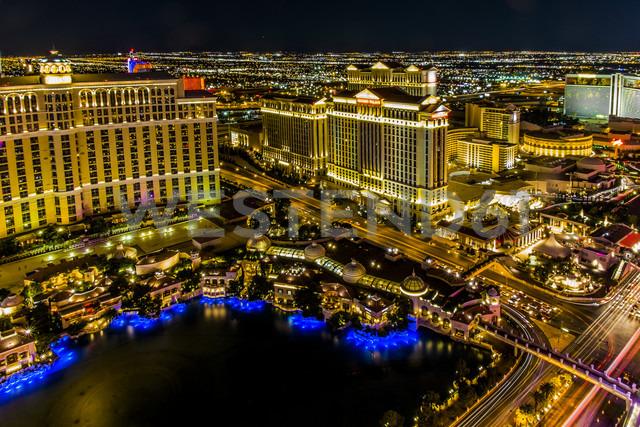 USA, Nevada, Las Vegas at night - ABA001036 - André Babiak/Westend61