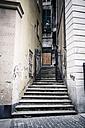 Italy, Genoa, old town, street view - SBDF000321