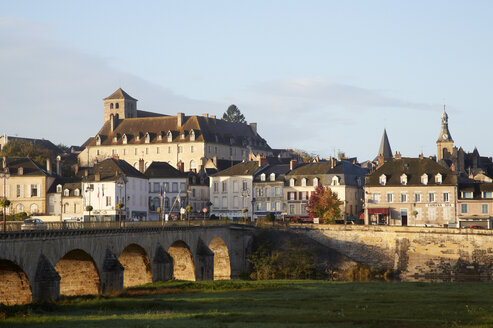France, Burgund, Nievre, Decize - DHL000178