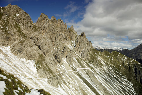 Austria, Tyrol, Karwendel mountains, View of Alps - TKF000177